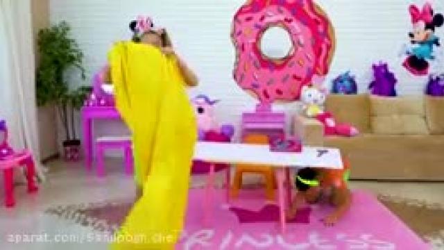 دانلود ماجراهای ساشا نقش چالش اسباب بازی های خوراکی را بازی می کند
