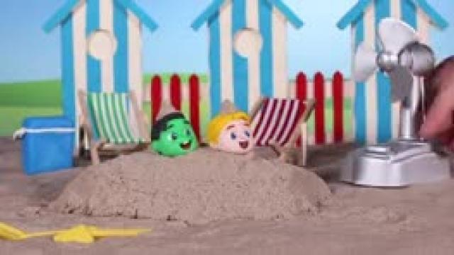 دانلود انیمیشن خانواده خمیری این قمست The Fan Destroyed The Sand Castl