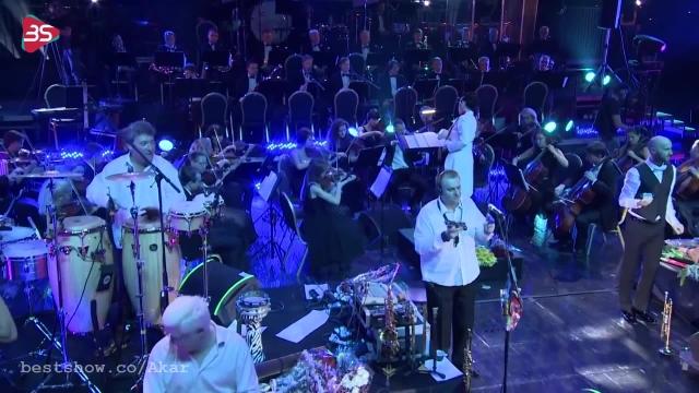 کلیپ از اجرای زنده با گیتار از دلدولا !
