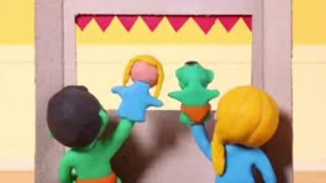 دانلود انیمیشن خانواده خمیری این قسمت Kids Making A Puppet Show