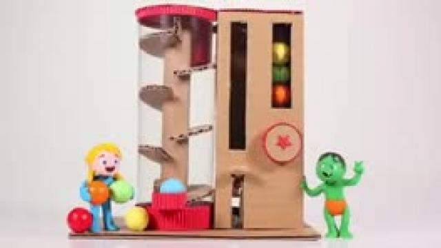 دانلود انیمیشن خانواده خمیری این قسمت Kids Built A Gumball Machine