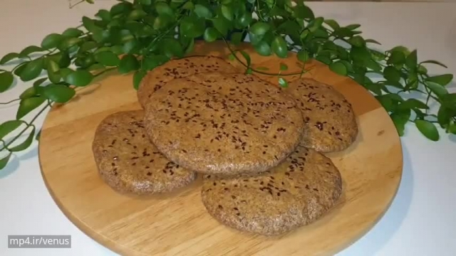 روش پخت حرفه ای نان جو پرک رژیمی