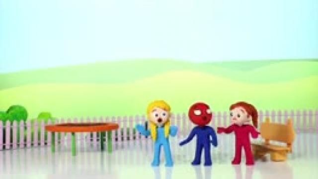 دانلود انیمیشن خانواده خمیری Kids Having Fun Jumping In The Trampoline